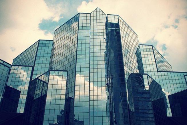 Có nên sử dụng mặt dựng nhôm kính cho nhà cao tầng?